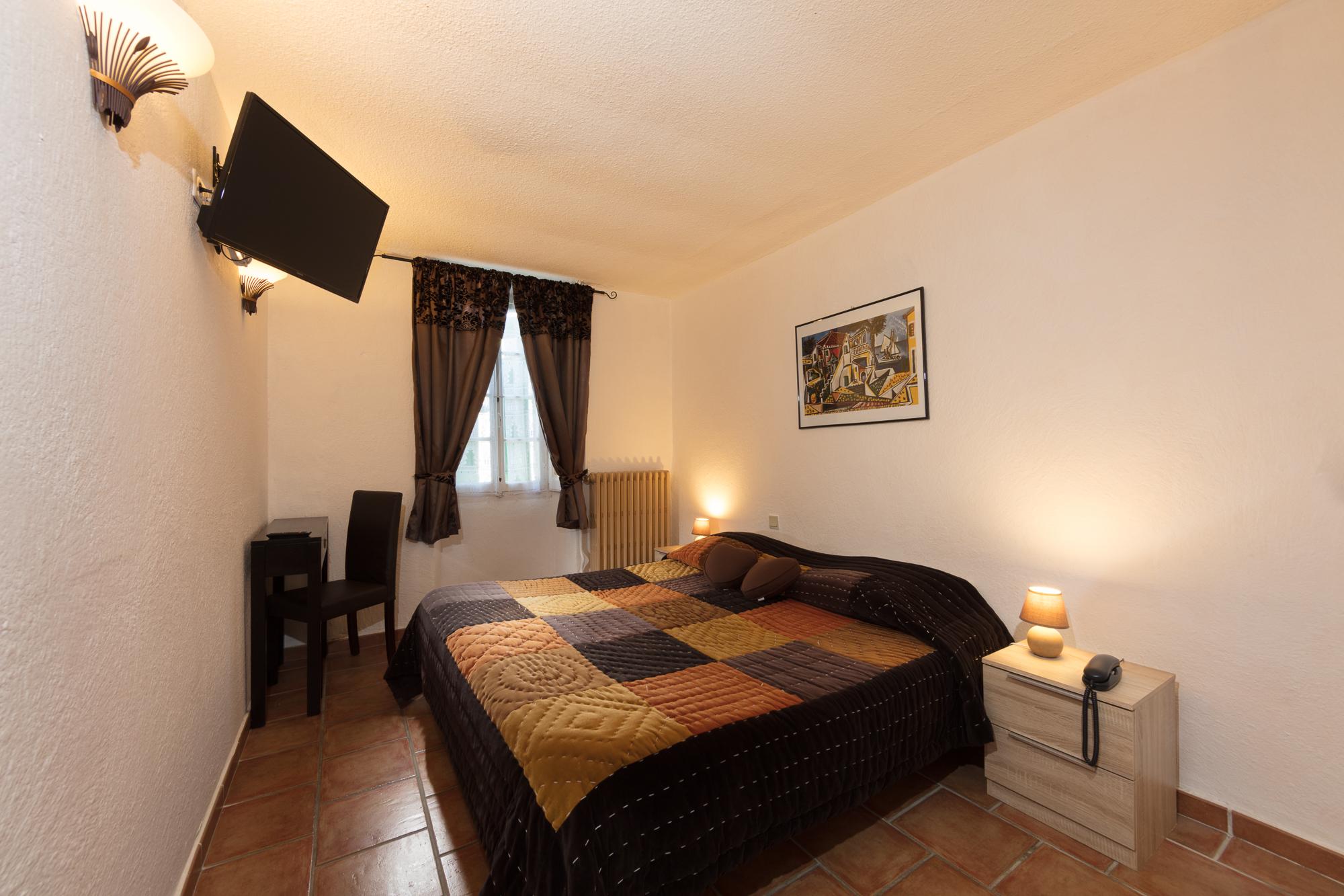 IMG_18030918_.psdChambre-02-Confort Le-Carmel Les-Vans