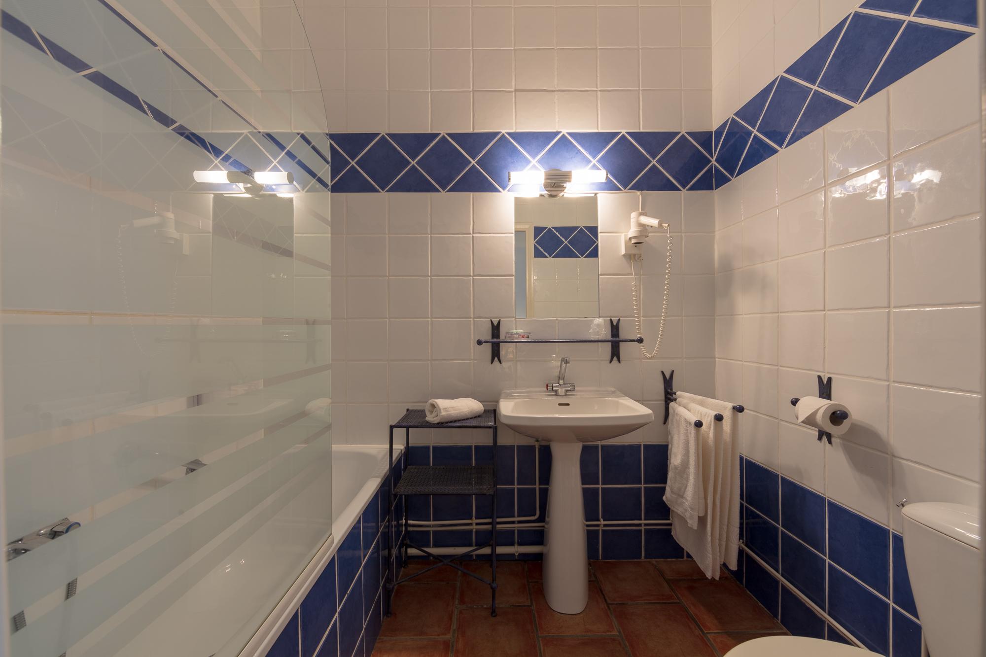 IMG_18031070_Chambre-14-Confort Le-Carmel Les-Vans